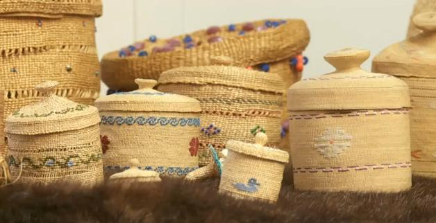Basket Weaving Groups : Basket weaving in time alutiiq baskets