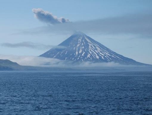 Cleveland Volcano ocean 2010 ash plume