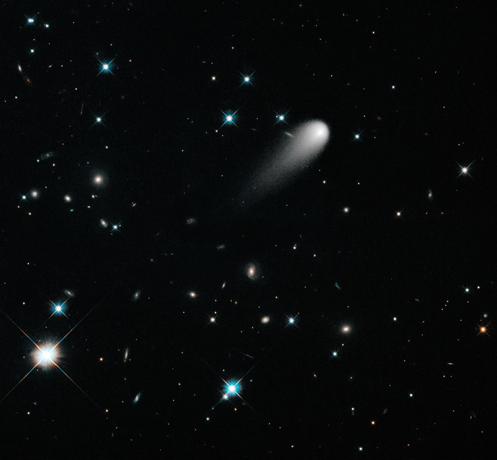 Hubble images Comet Ison April 2013