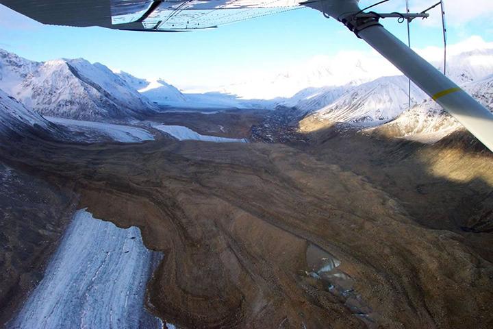 Black Rapids glacier landslide 2012