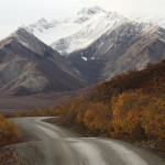 Mountain view in Denali National Park, Alaska / Frank Kovalchek (Creative Commons Attribution 2.0 Generic license)